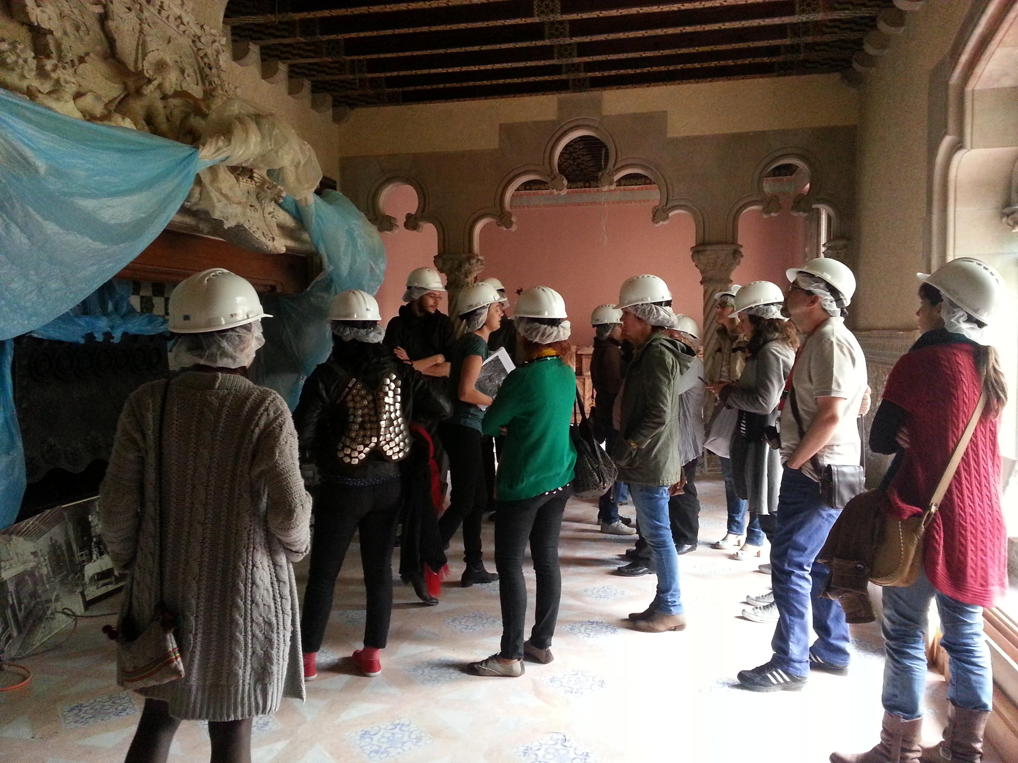 El pasado viernes 19 de abril, los alumnos de ECORE, fueron a visitar las obras de rehabilitación y restauración que se están llevando a cabo en la Casa Amatller […]
