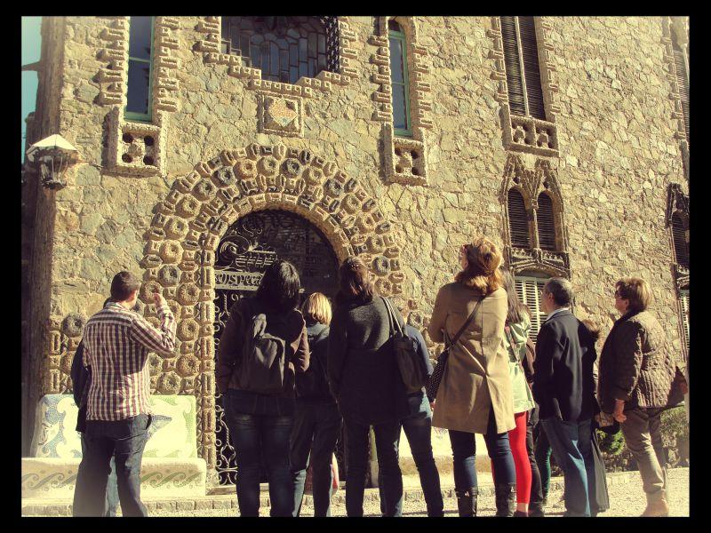 Ayer los alumnos de ECORE, realizaron una magnífica visita a la Torre de Bellesguard, de la mano de las guias de Cases Singulars. ¡¡¡¡Una gran experiencia!!!! Aquí os dejo el […]