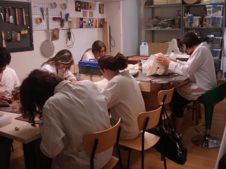 Escuela de restauracion de muebles y tapiceria contacto - Curso restauracion muebles barcelona ...