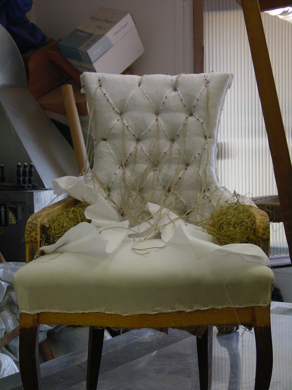 Para realizar una restauración de algún mueble es necesario saber la causa de su deterioro, los materiales y la técnica utilizada en su construcción. Es importante saber que se debe […]