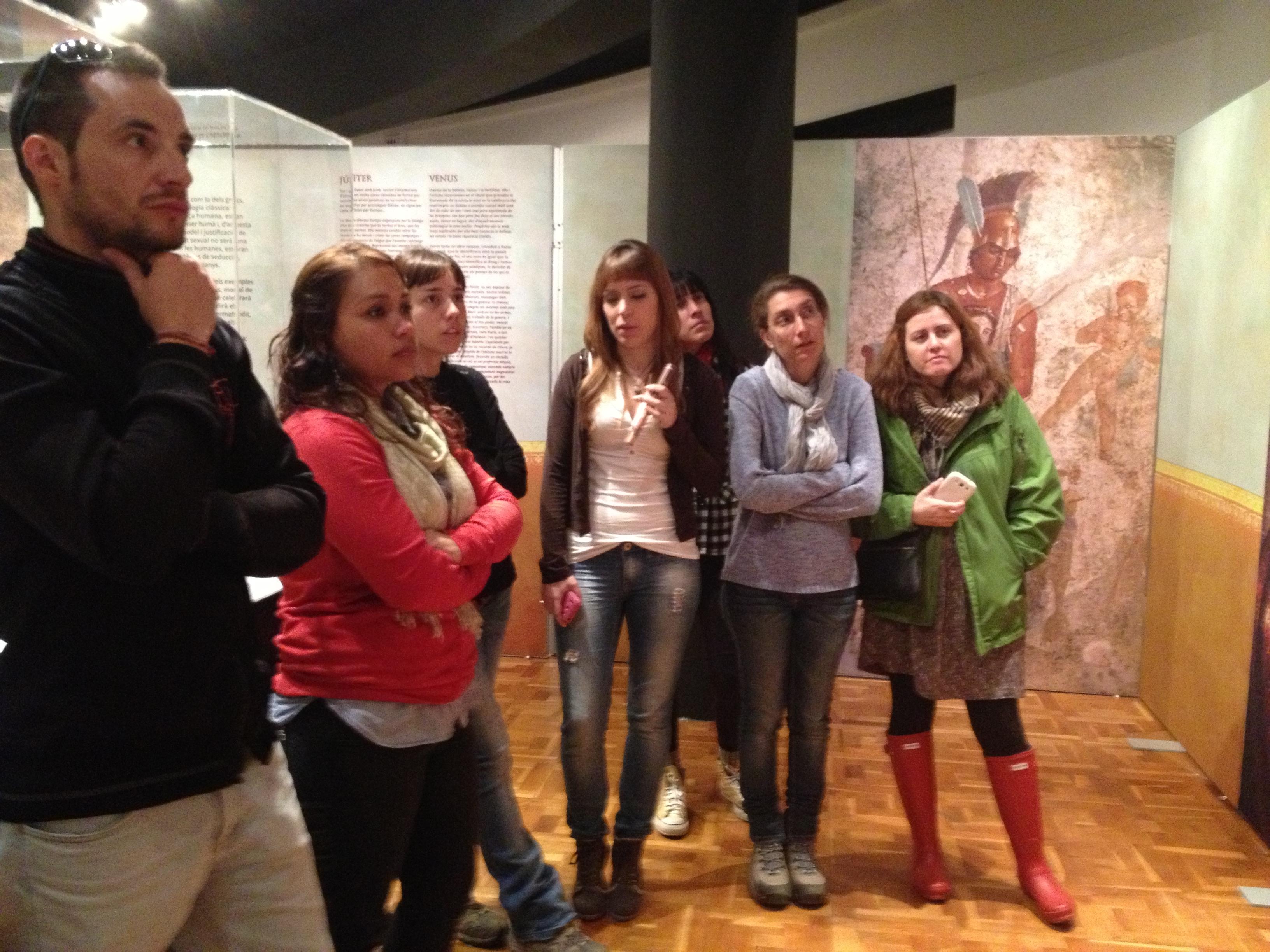 """Los alumnos de restauración de material arqueológico de ECORE realizaron la visita a la exposición """"El sexe a l'Època Romana"""" que se puede visitar en el Museo de Badalona. […]"""