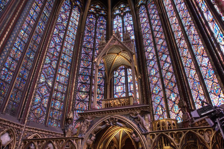 El arte de las vidrieras ha evolucionado a lo largo de la historia, siendo el periodo gótico el más esplendoroso de este arte. A continuación presentamos una sencilla revisión de […]